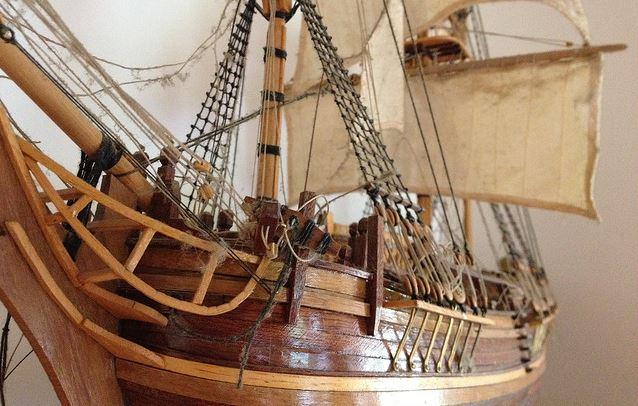 maquette en bois du bateau bounty construire. Black Bedroom Furniture Sets. Home Design Ideas